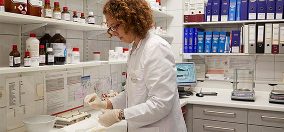 Apotheke im MediCo | Herstellung Arzneimittel